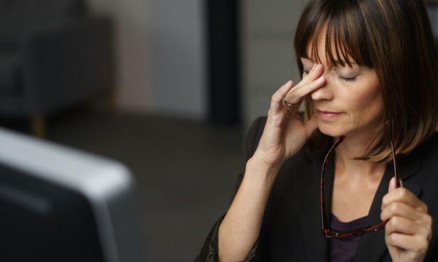 Déformation de la cornée : pourquoi se frotter les yeux est mauvais