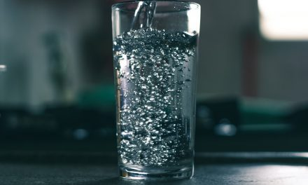 Le filtre à eau pour activement lutter contre la pollution plastique