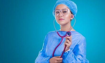 Comment choisir sa tunique ou blouse médicale?